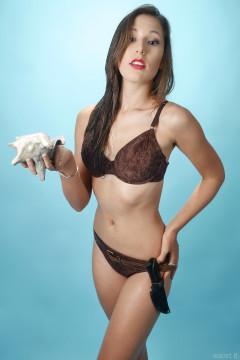 2015-08-16 Dayna Leigh in Ursula Andress bikini shot