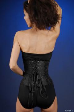 2015-11-21 Heydi in girdle and corset