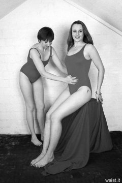 "1998-10-02 Debbie and Taryn ""tummy in..."""