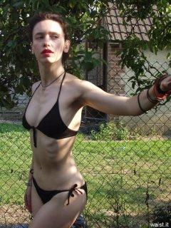 Bikini-clad Chiara
