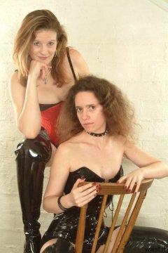 Juleigh and Chiara