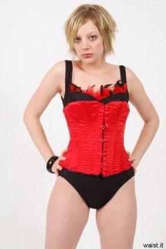 Carlie in red Vollers corset