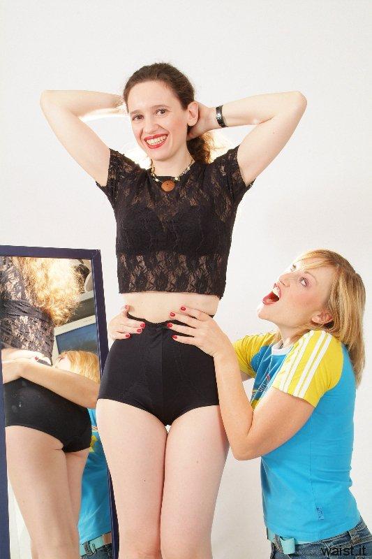 Nikki works on Chiara's figure