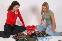Chiara and Sara choose outfits for shoot