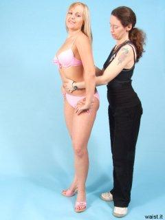 Chiara reminds Heather to flatten her tummy