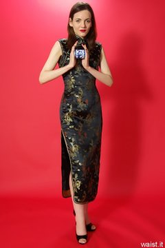 Anise in black and gold cheongsam