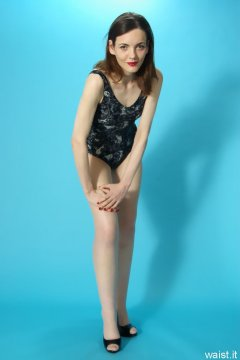Anise in vintage-style tummy-control one-piece swimsuit