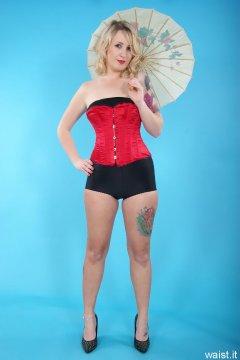Sammy-Clare 2014-04-13 retro fitness shoot - girdle and corset