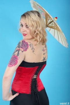 Sammy-Clare 2014-04-13 retro fitness shoot - girdle and corset