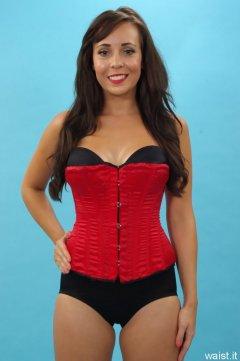 Kerri, Vollers corset