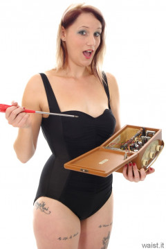 Heidi 2014-09-07 black Carol Wior tummy control retro swimsuit
