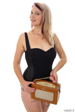 Heidi 2014-09-07 black Carol Wior tummy control retro swimsuit