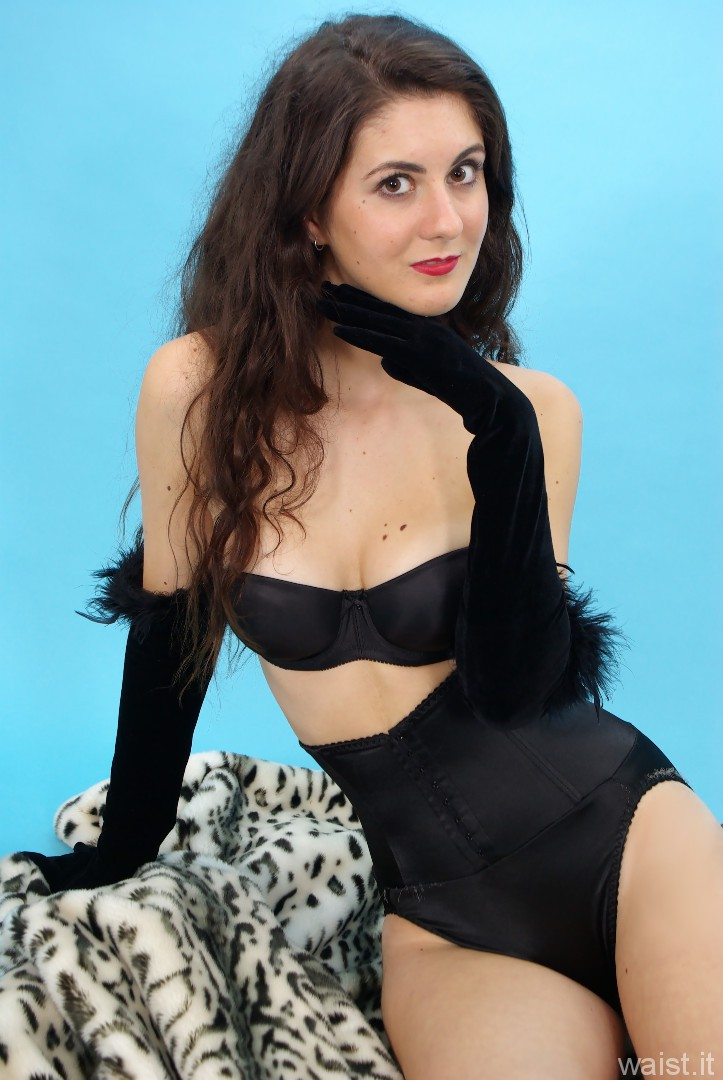 Amy V, black Silhouette waist-nipper girdle