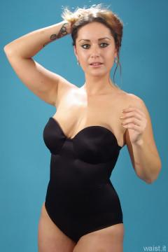 2014-10-18 Egle black Miracle suit bodyshaper