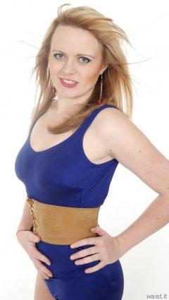 2015-05-25 Amandah blue tummy-control vintage swimsuit
