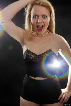 2015-05-25 Amandah black bra and girdle