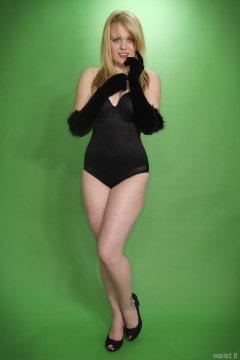 2015-05-25 Amandah black Miraclesuit