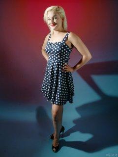 2015-07-26 ZoeCharlotte polkadot dress