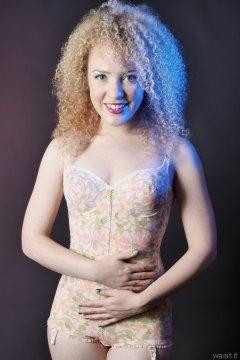 2015-08-14 Jazz in Berlei flower power corselette