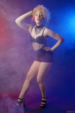 2015-08-14 Jazz black bra and sports bottoms