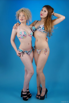 2015-09-13 Jazz and Laura in mix and match bikini