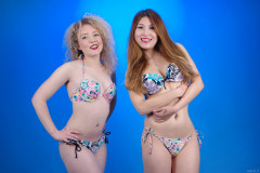 2015-09-13 Jazz and Laura in mix and match bikinis