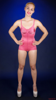 2015-10-17 Ali Soriano pink corselette