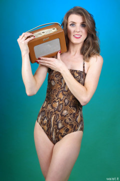 2015-11-06 GinA1 in skakeskin onepiece swimsuit with 1962 Roberts R100 radio