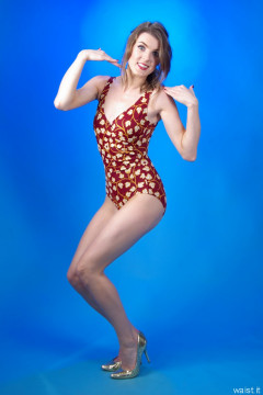 2015-11-06 GinA1 in 1950's style maroon and gold tummy control swimsuit