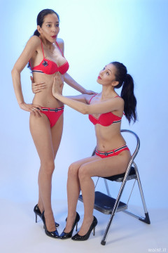 TUCK IN THAT TUM! 2015-11-21 Heydi and Shannon in red bikini doing deportment exercises