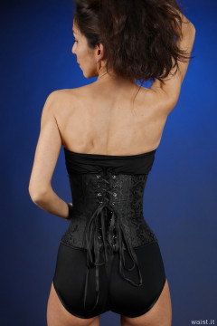 2015-11-21 Heydi in girdle and corset