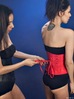 2015-11-21 Heydi and Shannon in girdles and corsets