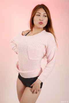 2015-12-11 Laura Toy in pink sweater and tight black vintage-style lycra control briefs worn as hotpants