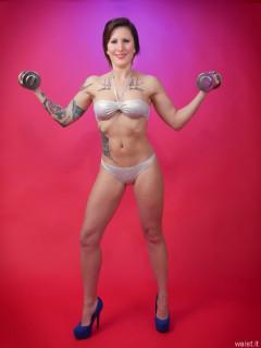 2016-04-02 Lexy working out in silver bikini