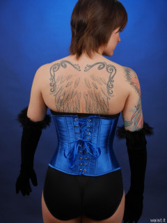 2016-04-02 Lexy trying blue corset