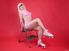 2016-04-23 Dayna Nirvana fitness pinup shoot