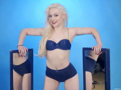 2016-04-23 Dayna Nirvana in blue bra and girdle with blue mirrors