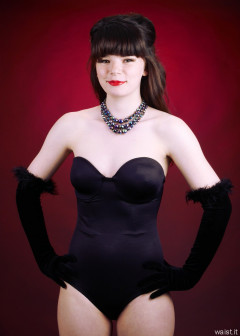 20160522 Ronnie97 in black strapless Miraclesuit bodyshaper and tightly-laced underbust corset