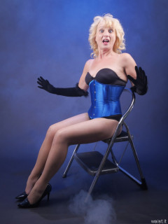 2016-07-03 Nettie in black miraclesuit bodyshaper and chinese underbust corset