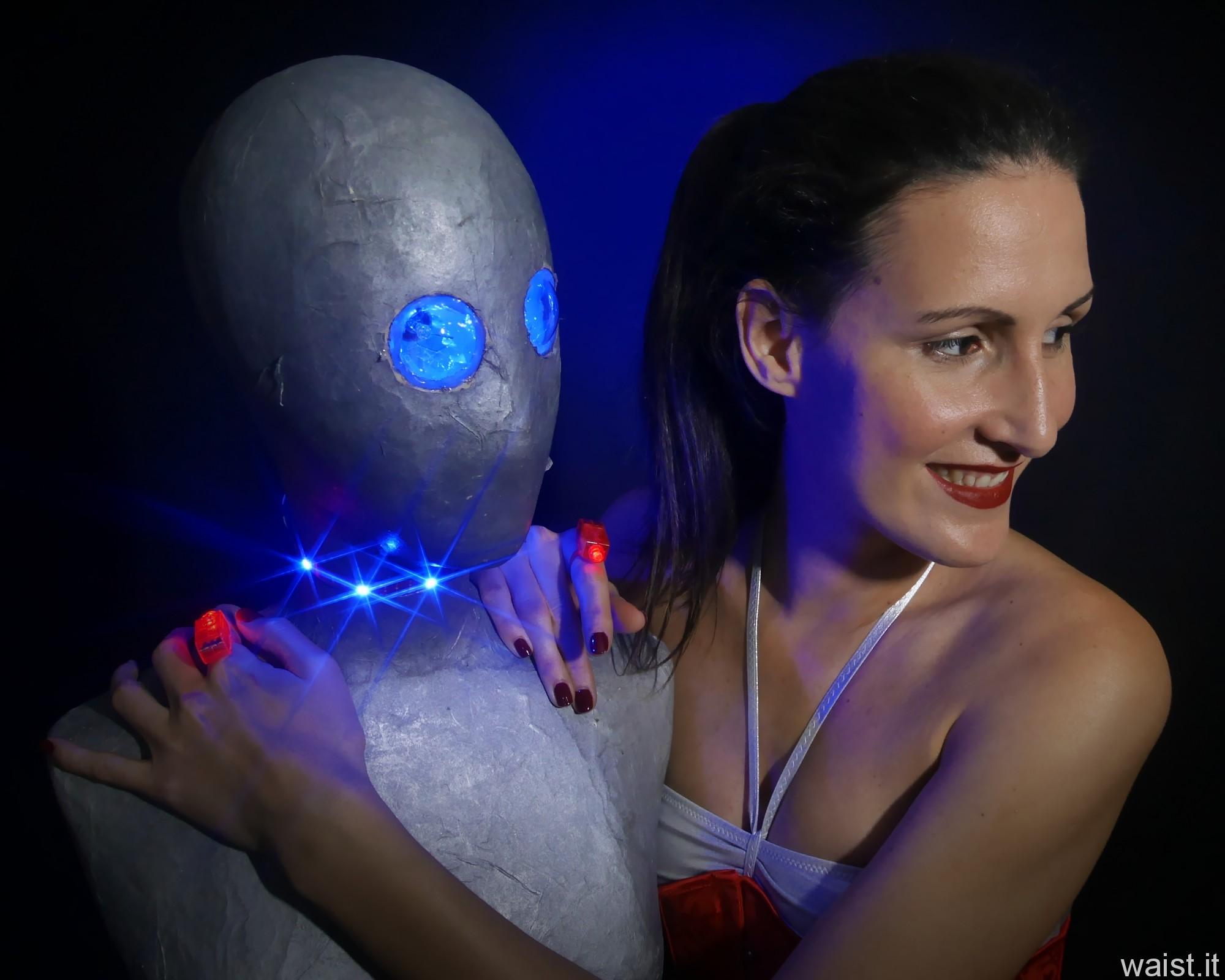 2016-11-20 MissGlamour silver bikini and corset - lit by LED