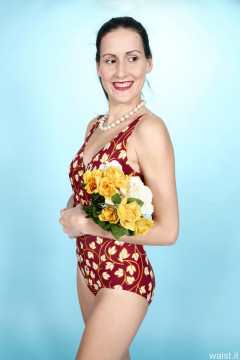2016-11-20 MissGlamour in red flowery tummy-control vintage-style one-piece swimsuit