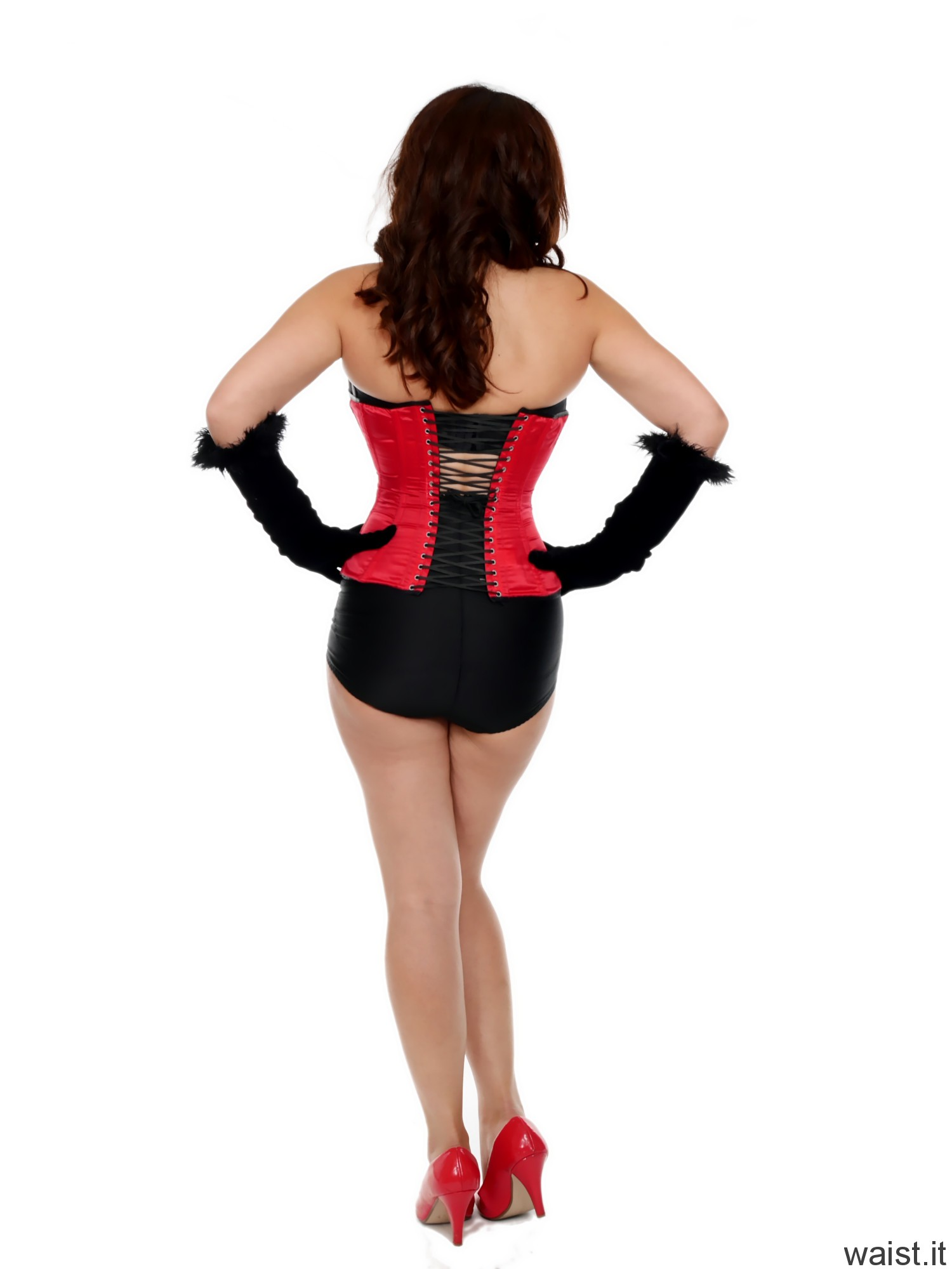 2016-11-23 AlexH black bra and girdle and red Vollers corset