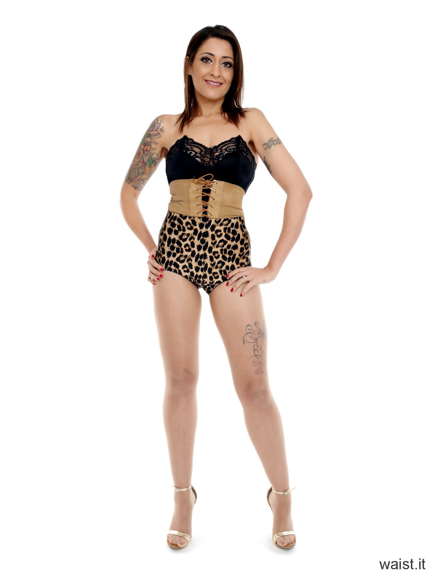 2016-11-26 Zoe34 Animal print control briefs and corset belt