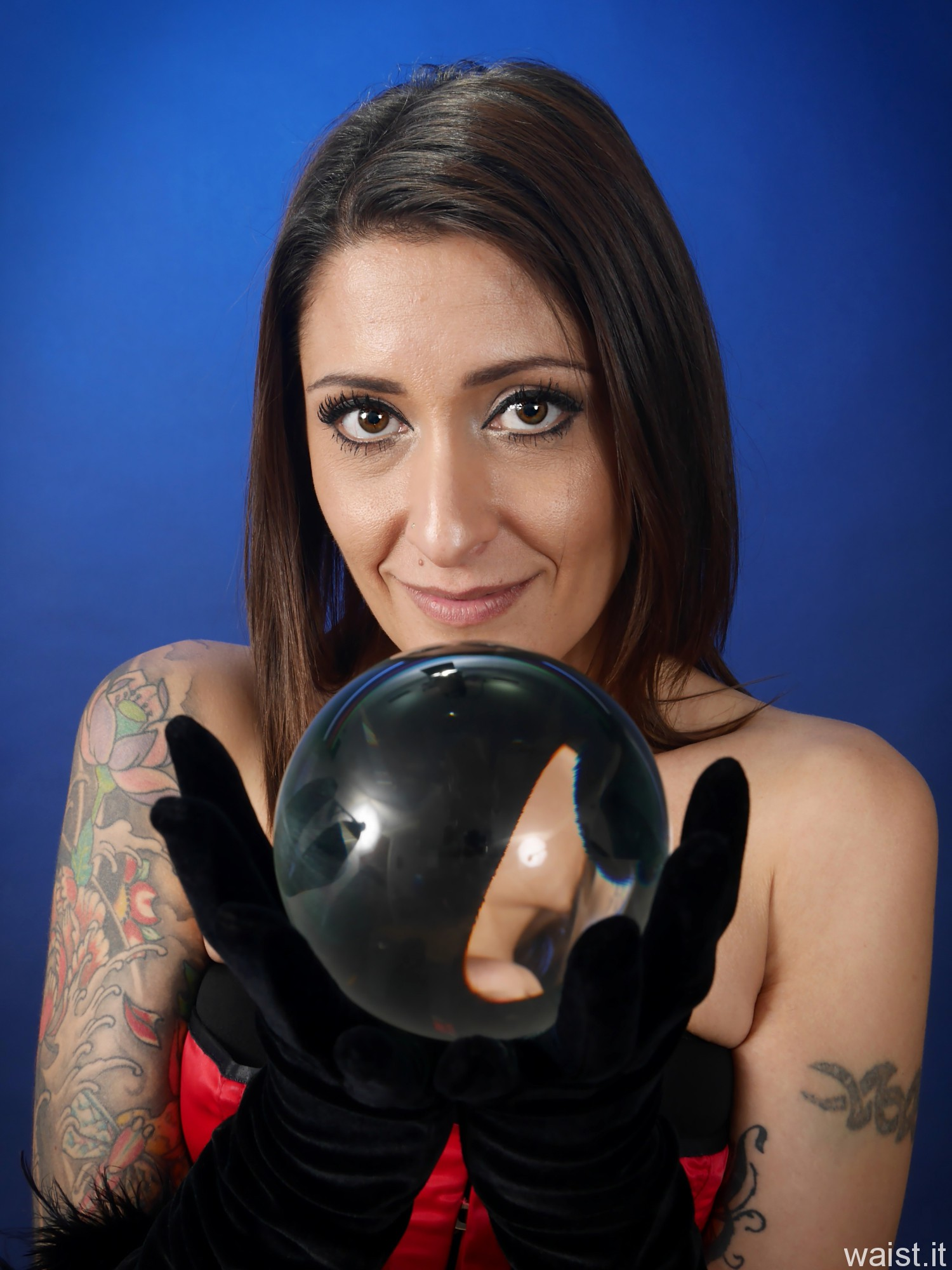 2016-11-26 Zoe34 with 100mm crystal ball