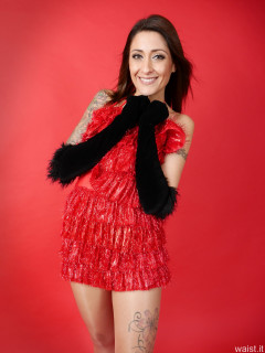 2016-11-26 Zoe34 in red tinsel dress