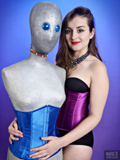 2016-12-04 Nannina with the silver mannequin, in black Miraclesuit and tightly-laced purple underbust corset