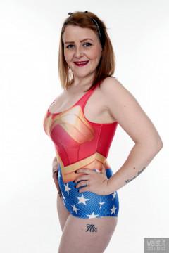 2016-12-11 Char in Wonderwoman swimsuit
