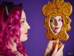 2017-01-21 Tasha face in the mirror