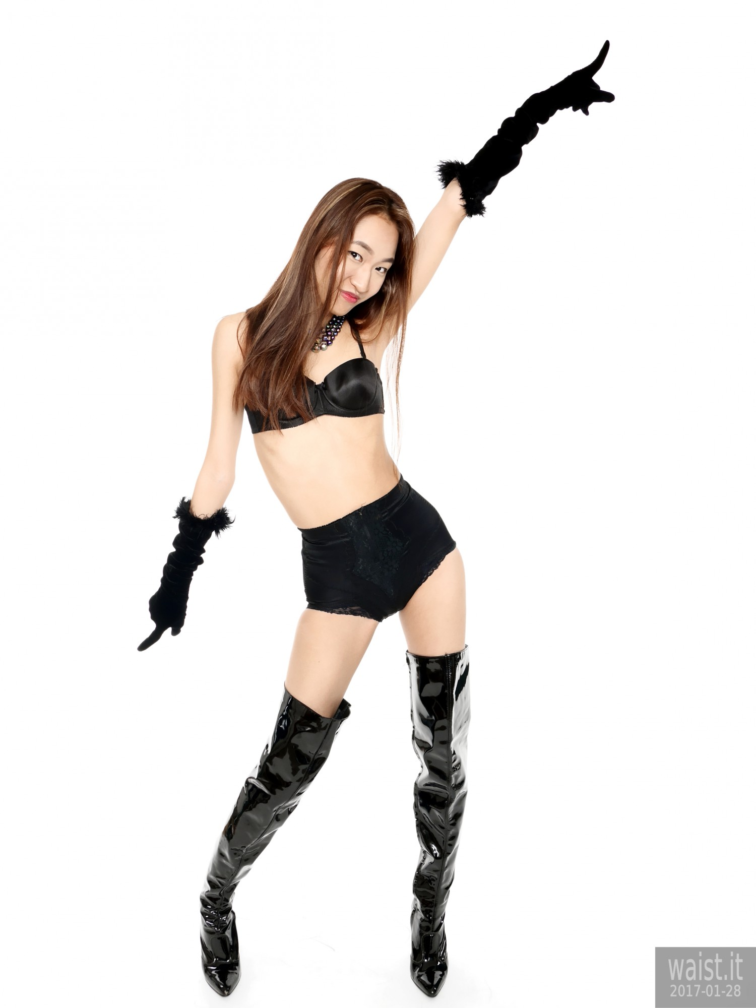 2017-01-28 Salina Pun black bra, girdle, opera gloves and patent leather thigh boots