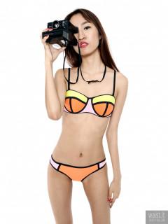 2017-01-28 Salina Pun in Chinese neoprene multicoloured bikini